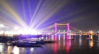 Palembang - Keinginan warga Palembang buat menyaksikan pewarnaan acara di BKB