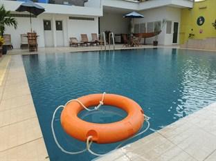 The Jayakarta Daira Palembang Hotel Palembang - Swimming Pool