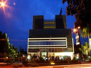 The Jayakarta Daira Palembang Hotel Palembang - Hotel Building