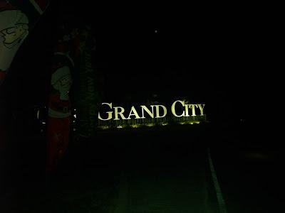 Suasana Citra Grand City palembang saat malam hari