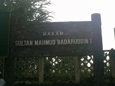 Label: Tempat Wisata , Ziarah Kubur