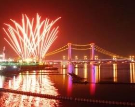 Kembang Api Festival Pasar Terapung Semegah Sea Games