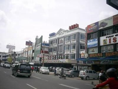 Sebuah Hotel di pusat kota Palembang terletak di Jl. Letkol Iskandar