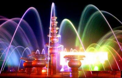 Bundaran air mancur di depan masjid agung palembang   SEA GAMES KE-26 DI KOTA PALEMBANG