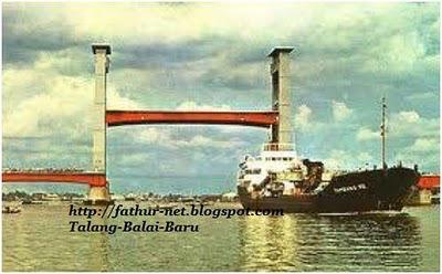 Foto Jembatan Ampera Palembang Jaman Dahulu