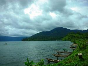 Danau Ranau 300x225 TEMPAT WISATA DI PALEMBANG DAN SUMATERA SELATAN