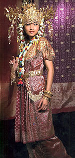 Busana Tradisional Khas Palembang