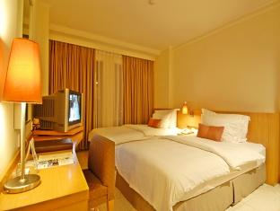 Superior Room di Hotel Aryaduta Palembang