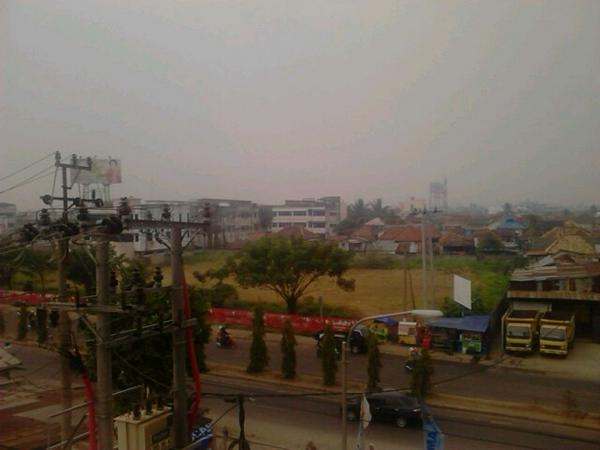 kabut-asap-menyelimuti-jembatan-ampera-cc-palembangtweet-aboutpalembang-httpt-co21pzbm80ft