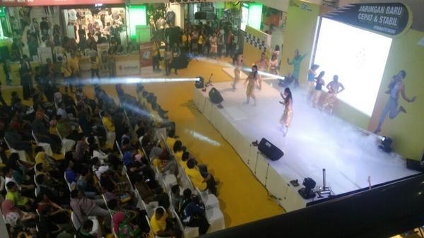 robotic-dance-performance-iwantitnow-indosatmania-sahabatim3smtra-infopalembang-httpt-co8tmpkl3ewi
