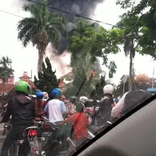 palembangtweet-nah-min-kebakaran-jam-10-tdi-di-dpn-kantor-walikota-httpt-coy4pxaj9l5y