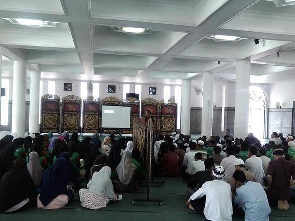 appic-silaturrahim-irma-masjid-agung-bersama-anggota-rohis-sma-se-kota-palembang-nandaameria-httpt-copeslng2qwm
