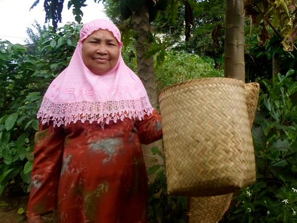 inilah-para-perempuan-yang-kreatif-memanfaatkan-bambu-hasil-hutan-httpt-coqtbcsrqpkm-palembangtweet-httpt-cov13dei4clb