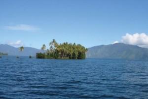 Pulau-Marisa-Danau-Ranau
