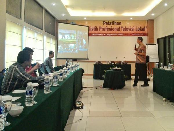 appic-pelatihan-jurnalistik-profesional-televisi-lokal-palembang-15-sept-2015-dewanpers-paltv-by-cekdev-httpt-cobjsnhif4vr