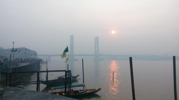 appic-kabut-asap-menyelimuti-jembatan-ampera-pagi-ini-masih-dalam-menolakasap-httpt-corb4hyr1vwi-by-jonydaynazar