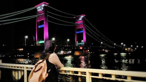 appic-jatuh-cinta-berkali-kali-dgn-jembatan-ampera-ke-palembang-harus-kesini-di-malam-hari-httpst-cowyd25uzpfr-by-pink_traveler