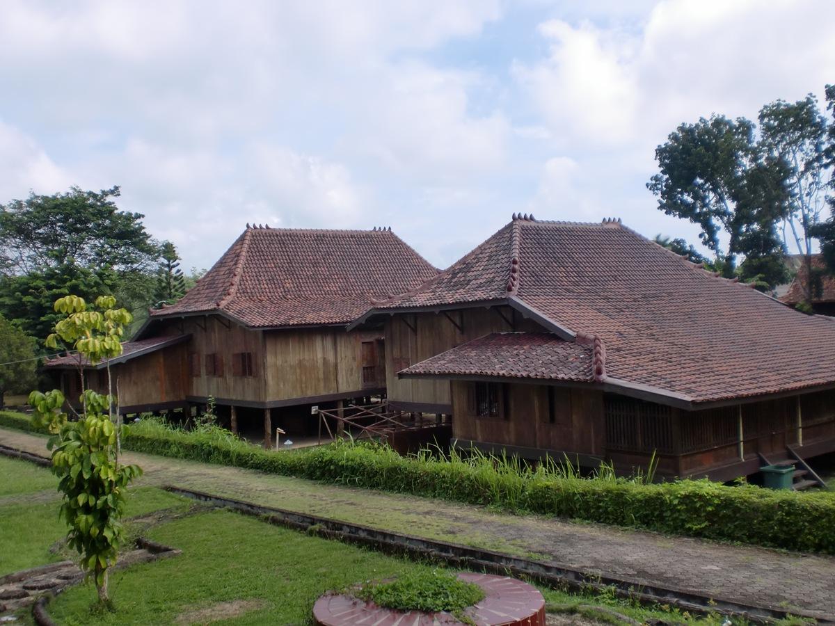 Rumah-Limas-Museum-Balaputra-Dewa-Palembang-blogdetik.com_